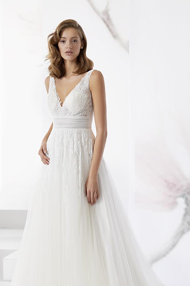 ae884f315c2d Gli abiti da sposa stile impero possono anche richiamarsi ai modelli  dell antica Roma