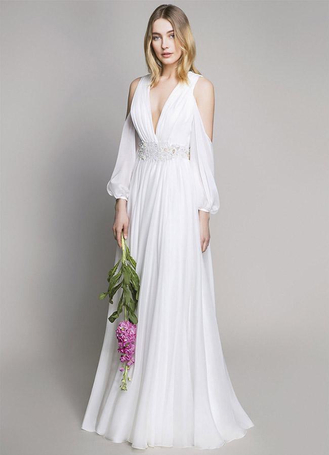 01e70e0dc0f5 L abito da sposa semplice non è solo quello che ha poche decorazioni